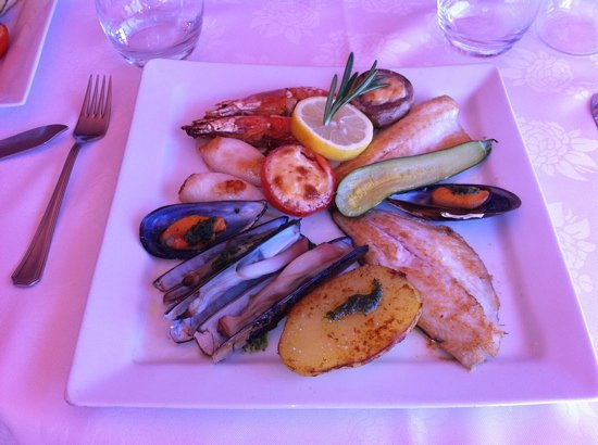 AQUARIUM LE RESTO : incredibly good fish!