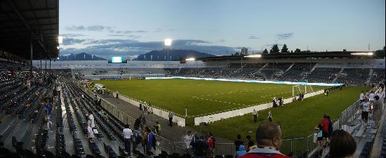 Empire Stadium: end of game panorama