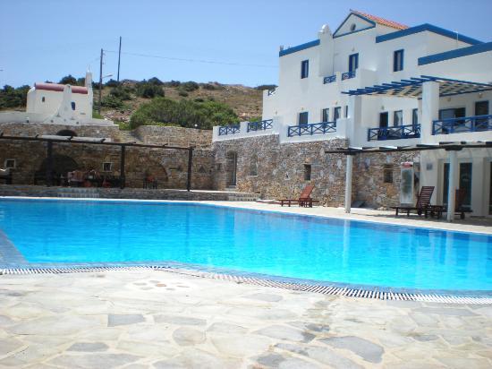 Faros Resort: Θέα πισινας