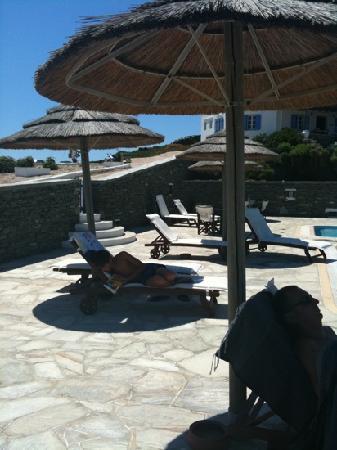 Lighthouse Hotel: piscine aux heures chaudes