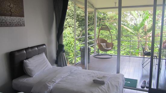 J Residence: Inside Room 2A