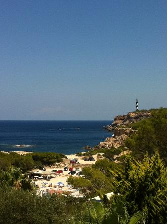 Apartamentos Nort: the smaller beach & outstanding view of the lighthouse. Watch cruise liners pass!