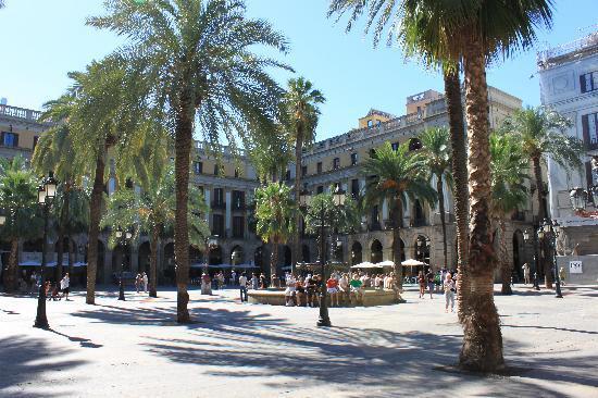 Placa Reial: レイアール広場