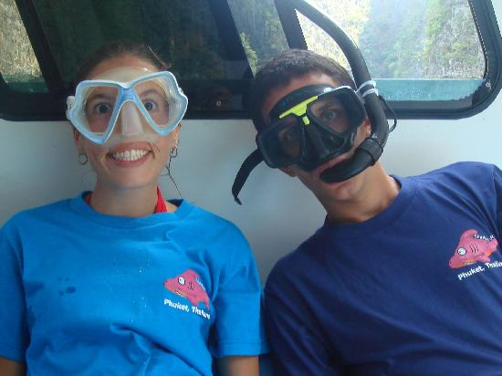 Sharkey Scuba: Fun on the dive boat!