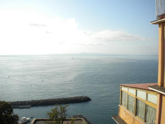 Hotel Cosmomare: Panorama mattutino