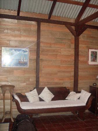 Habitation Matouba: Sofa