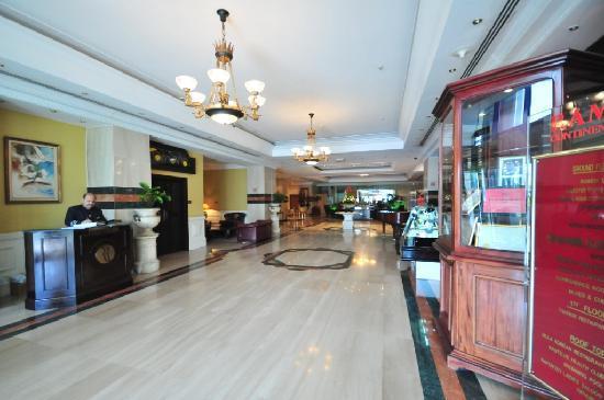 Ramada Continental Hotel: Main Lobby