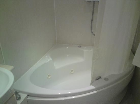 Stonegarth Guest House: jacuzzi bath