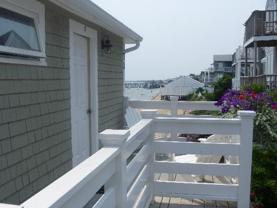 Dyer's Beach House: Front Porch