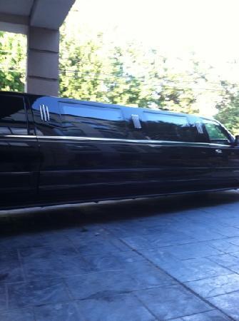 Wingate by Wyndham Atlanta/Buckhead : free limo rides