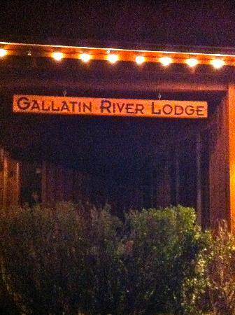 Gallatin River Lodge: Entrance