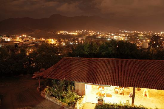 La Villada Inn: Inn and view of Oaxaca