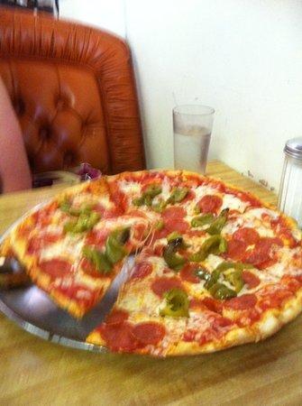 Tesoro Pizzeria & Restaurant
