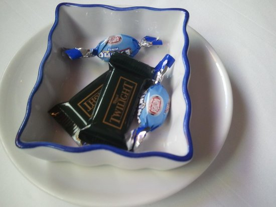 Pings Chinese Restaurant: Complimentary Chocolates