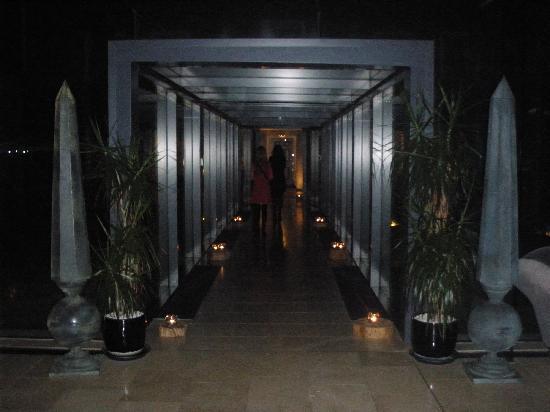 Monart: Foyer