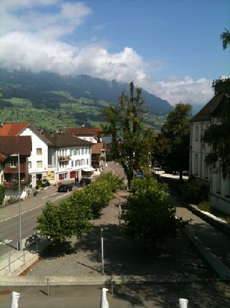 Kreuz Sachseln Hotel Restaurant: vue depuis une chambre