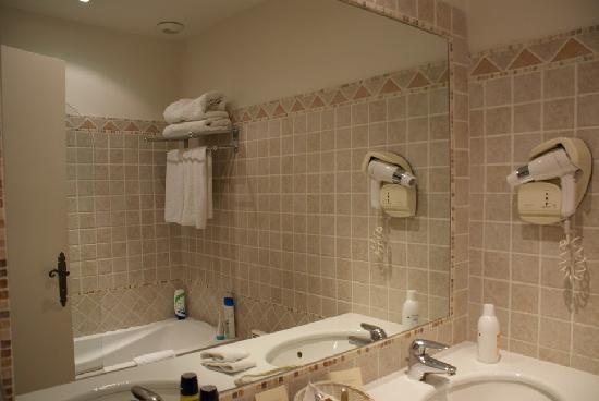 Hotel Le Grimaldi by HappyCulture: Baño
