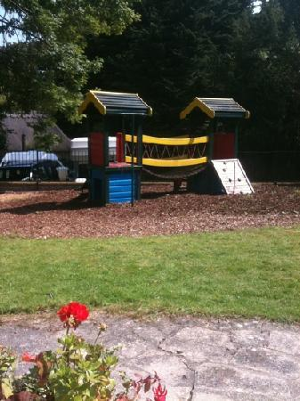Holliers Hotel: kids  play area