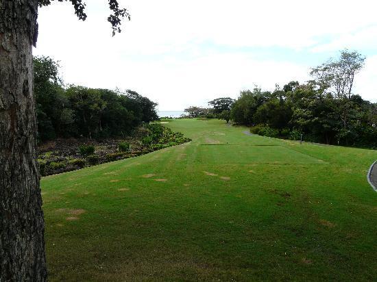 Four Seasons Resort Mauritius at Anahita: Trou no 8, par 3, vue océan