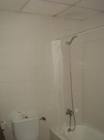 Mundial Club Hotel : salle de bain