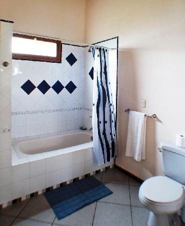 Chez Daniel: Baño