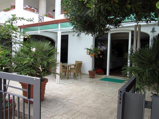 Hotel Il Vascello : entrata hotel