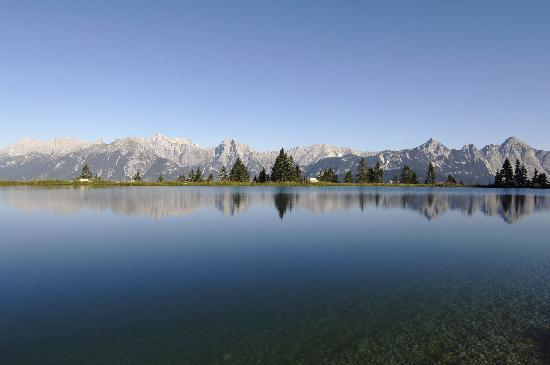 Landhaus Charlotte: lake near seefeld