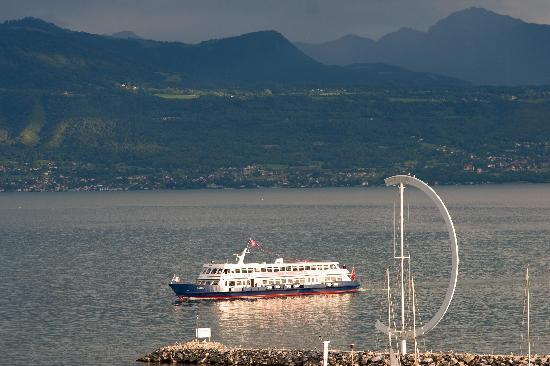 Movenpick Hotel Lausanne : lake view