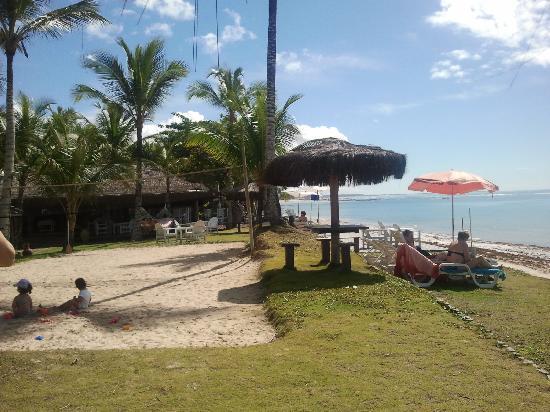 Arraial Praia Hotel Pousada: pé na areia!!! só alegria