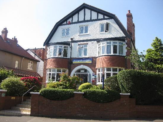 Sunningdale Guest House: A sunny day at Sunningdale