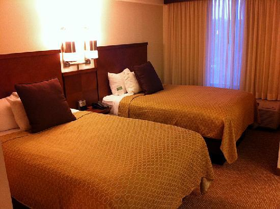 Hyatt Place Albuquerque/Uptown : Double bed equipped room.