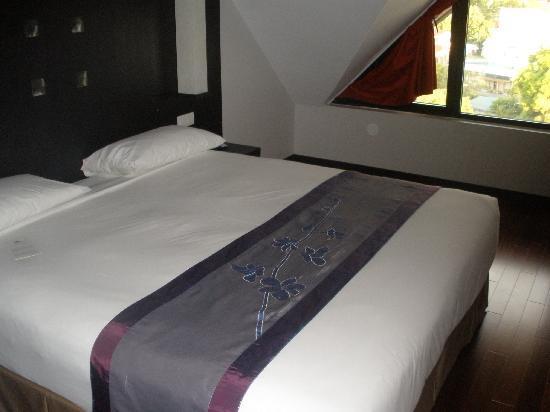 Hotel Tahiti Nui : upstairs bedroom of mini-suite