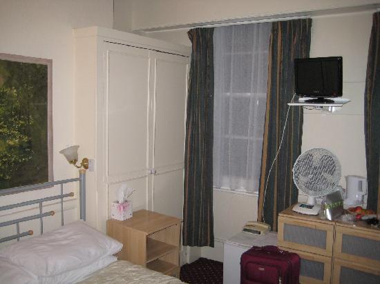 Wyndham Hotel: Triple room