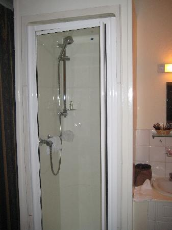 Wyndham Hotel: The shower...