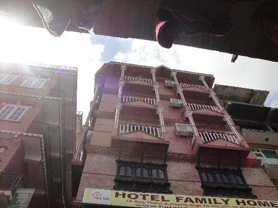 Hotel Family Home: Hotel Facade