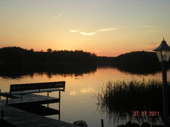 Muskie Bill's Place : Beautiful sunsets right at your doorstep!