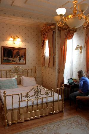 Darussaade Hotel: Our room