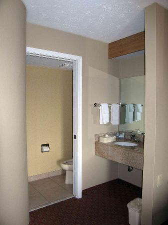 Motel 6 Indianapolis - Airport: Bathroom area - typical Sleep in configuration