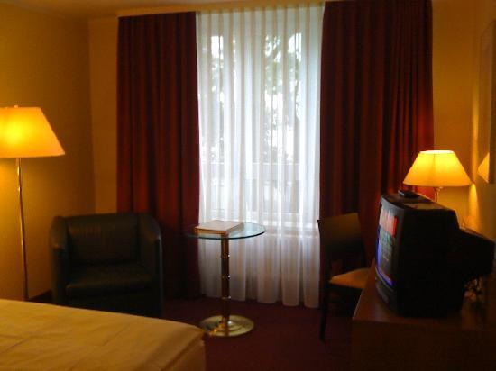 H4 Hotel Residenzschloss Bayreuth: room