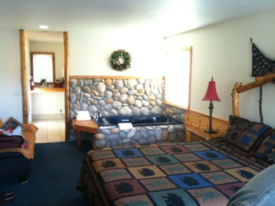 Lindberg Suites: room is huge and feels cozy