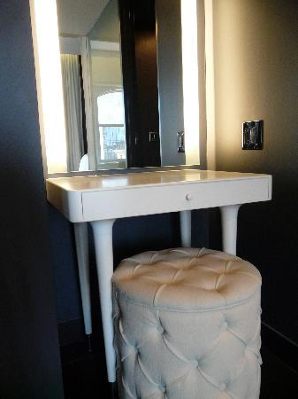 Ames Boston Hotel, Curio Collection by Hilton: Good for the ladies and makeup