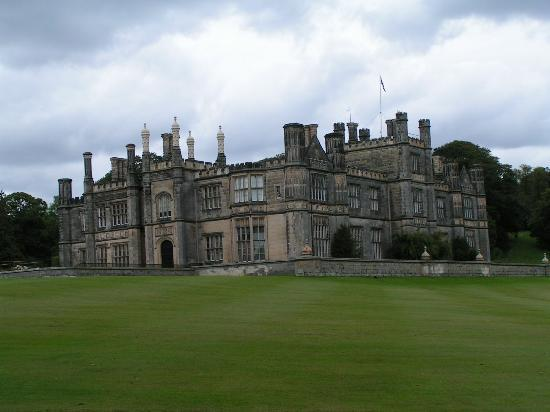 South Queensferry, UK: Dalmeny House