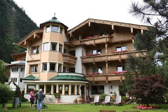 Hotel Garni Glockenstuhl: Back view