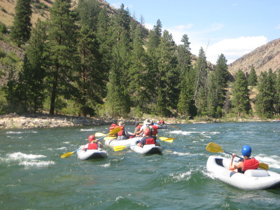 Idaho River Journeys: An oar boat, a paddle boat and 3 duckies