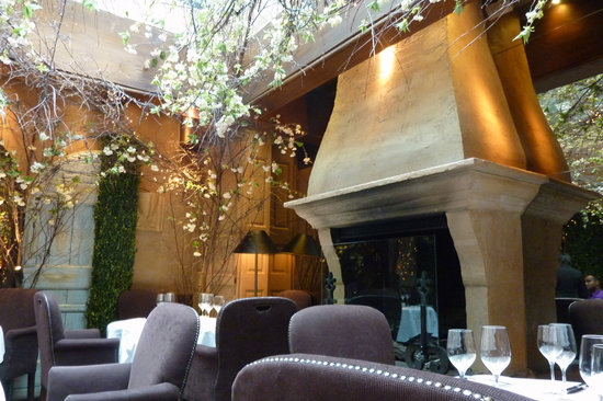 Clos Maggiore : Romantic Dining