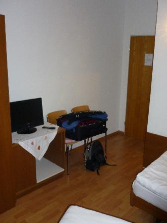 """Croce Federale: Zimmer, """"Eingangsbereich"""""""