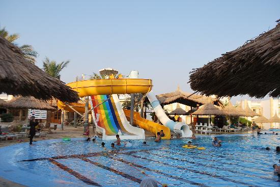 Gardenia Plaza Resort: water slides