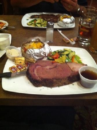 Silver Creek Steakhouse: ranch cut prime rib