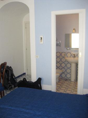 Hotel Mignon: Our Room