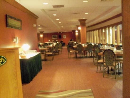 Attitash Grand Summit Hotel: Entance to dinning area.